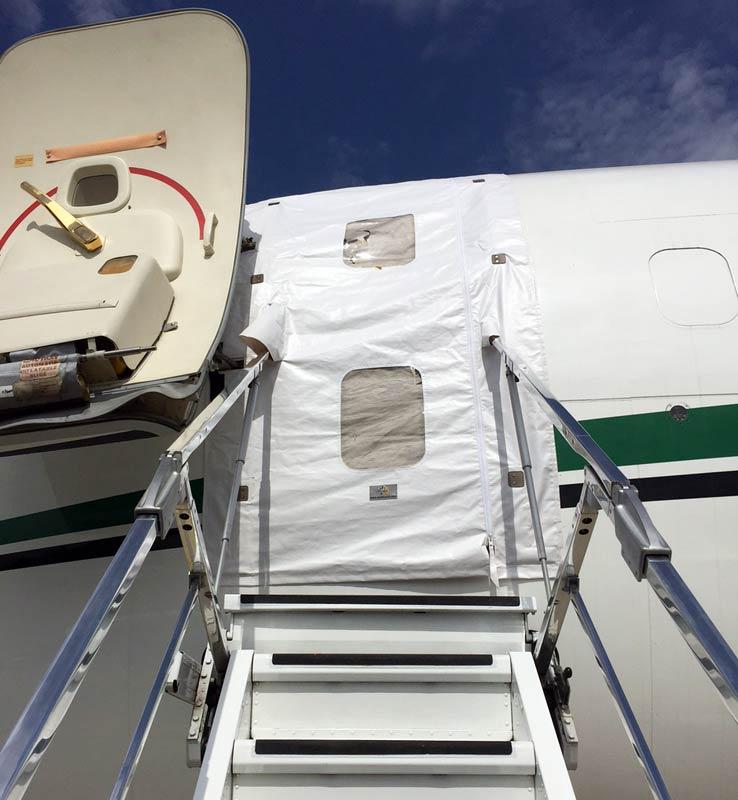 Boeing 737 L1 Door Cover & Boeing 737 L1 Door Cover - JetBrella